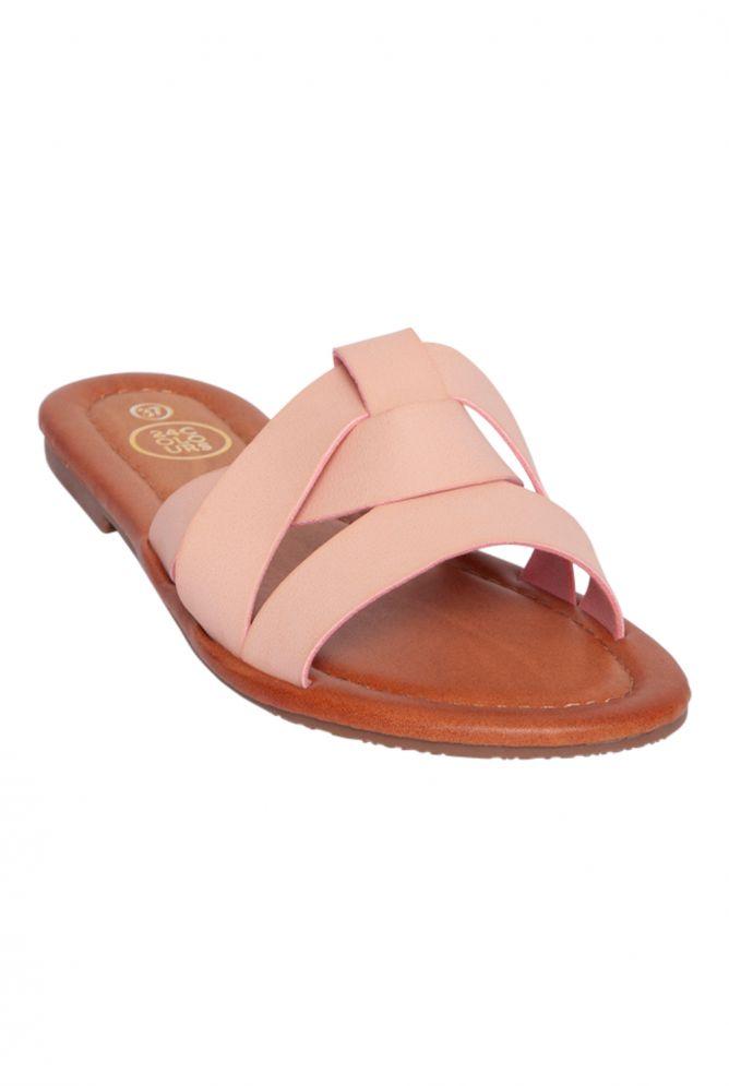 Schuhe mit Riemen vorn