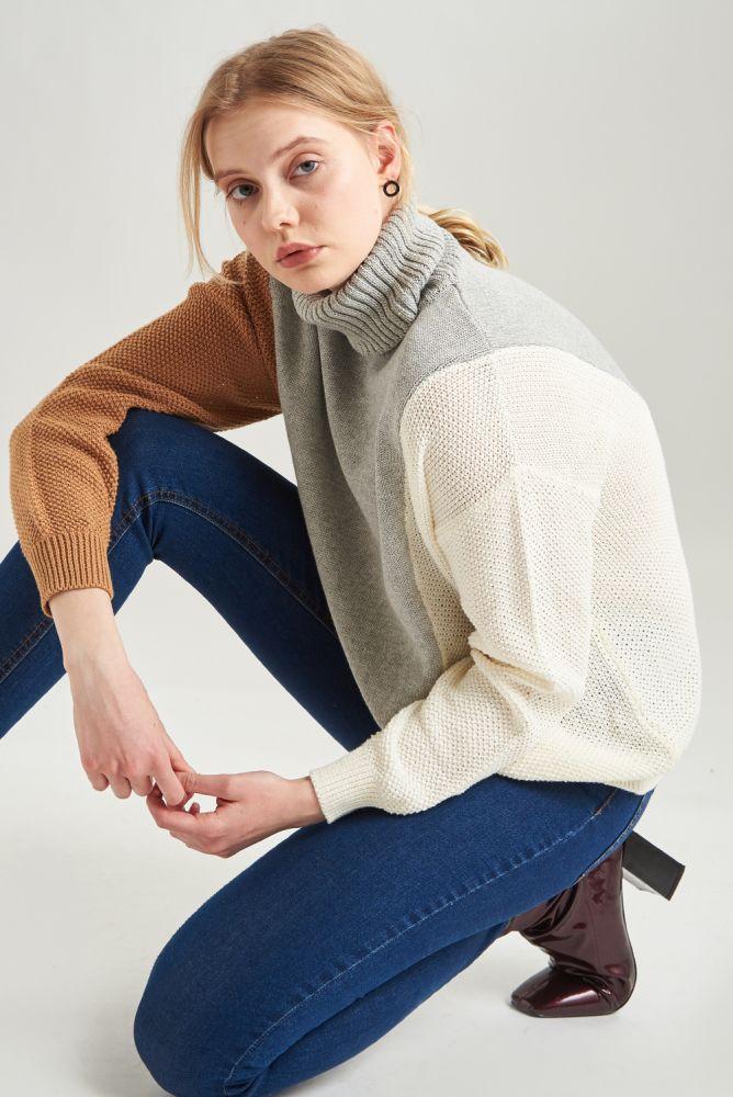 Pullover - dreifarbig in braun grau und weiß